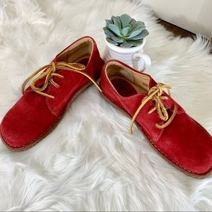 BORN Red Suede Walking Shoe Oxford Size 8.5